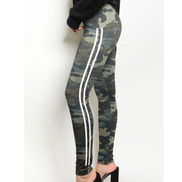 Rue21 Pants - High Waist Fleece Lined Camo Leggings~New ArrivaL
